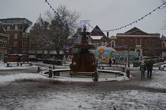 Leicester Town Hall Square (lcfcian1) Tags: leicester leicestershire city centre snow snowing winter weather cold december town hall square leicestertownhallsquare fountain christmas decorations lights