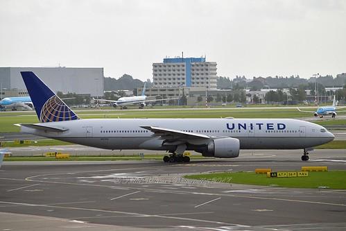 United Airlines N27015 Boeing 777-224ER cn/28678-273 @ EHAM / AMS 11-09-2017