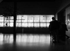 IMG_2822_AAHC_Dark&Light_201711 (Stephenie DeKouadio) Tags: canon photography dc dcphotos dcurban urban urbandc washington washingtondc people blackandwhite monochrome darkandlight light shadow shadows