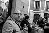_DSF7504 (Antonio Balsera) Tags: bw bn comiendo gente mirada madrid comunidaddemadrid españa es