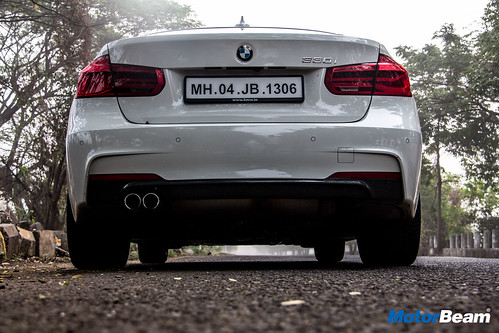 2018 BMW 330i M-Sport Review Test Drive | MotorBeam