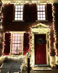 Elfreth's Alley Christmas (baccarati) Tags: decorated cozy radiant glowing glow colonial 18thcentury historic philadelphia philly oldcity winter holidays snow dusted christmaslights christmas oldcitydistrict historicholidaynights historicdistrict wintertime elfrethalley elfrethsalley historical