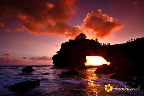 batu_bolong_at_dusk
