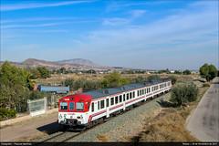 Totana (Pascual Martínez) Tags: automotor diésel 592 región murcia españa spain trenes trains nikon d3300