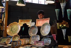 DSC08211 (David Housewright) Tags: woman pottery pikeplacemarket seattle