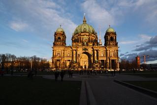 Berliner Dom im Abendschein