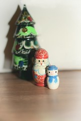 {004:365:2018} Still here (Conanetta) Tags: christmas decorations pad 365 january santa snowman tree wooden nesting dolls