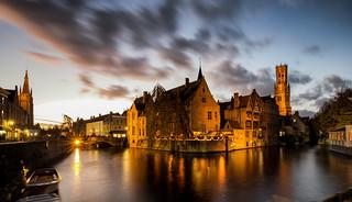 The historic center of Bruges / Spiegelrei