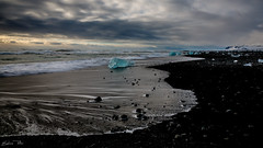 Beach at Jökulsarlon (epe3x) Tags: himmel ice iceland island2015 sand wasser wolken epe3x sky water beach meer strand ozean ufer küste