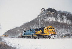 Bluebonnet by the bluff (view2share) Tags: bnsf2537 759 gp35 gp35u emd electromotivedivision engine eastbound bnsf burlingtonnorthernsantafe bnsfrailway snow snowfall mow santafe geep midway midwest winonajct bluff bluffs doubletrack wisconsin wi winter westernwisconsin flatcar deansauvola december152005 december2005 december 2005 trains track transportation tracks transport train trackage trees trackmaintenance freighttrain freight freightcar freightcars rr railway railroad railroading railroads rail rails railroaders rring local locomotive mississippiriver mississippirivervalley mississippi uppermississippirivervalley uppermississippi