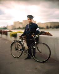 Mister X or Railroad Batman / Мистер Х или Железнодородный бэтмен! (neverbe) Tags: 4x5 sinarp2 kodakaeroektar178mm25 largeformat film kodakportra160 c41 color historicalreenactment bike diy bicycle portrait selfmadec41developer