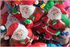 Le Père Noël existe : je les ai rencontrés !-) (Pi-F) Tags: noël père ballon rouge joyeux existence mickey grappe