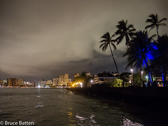 171208 Honolulu-10.jpg (Bruce Batten) Tags: night usa northpacificocean plants subjects reflections buildings atmosphericphenomena hawaii trees locations trips occasions oceansbeaches urbanscenery cloudssky businessresearchtrips honolulu unitedstates us