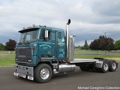 Koolhaas Trucking's 1989 Mack MH-613 COE (Michael Cereghino (Avsfan118)) Tags: 2016 aths show truck american historical society mack koolhaas trucking salem or oregon cabover engine coe cab over semi convention