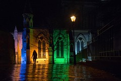 next to the cathedral (Charles-Fernand) Tags: colors couleurs silhouette figure cathédrale cathedral rain pluie night light nuit lumière reflets green yellow saintalbans england décembre