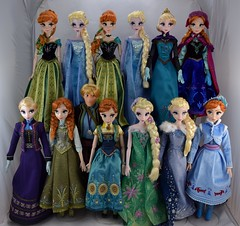 Complete Frozen Limited Edition 17'' Doll Collection (drj1828) Tags: frozen disneystore limitededition posable doll 17inch groupphoto complete collection
