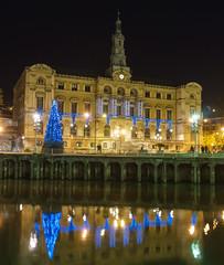 Christmas time (Txulalai) Tags: bilbao bizkaia euskadi basquecountry urbana nocturna ria reflejos reflec agua arquitectura navidad sony sonyilce6000 sonya6000 sonyalpha6000