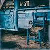 La chaise bleue , the blue chair (Des.Nam) Tags: bleu couleur carré street streetphotographie square desnam fuji fujinon fujixpro2 xpro2 xpro2square xprostreet camion camionette truck grèce brocante analogefex 35mmf14 texture frame bordure