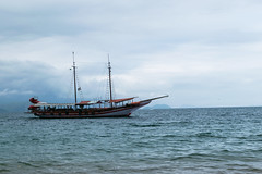 Angra Dos Reis (carlosbenju) Tags: naturaleza nature sea mar ship barco water agua azul paisaje landscape brasil riodejanerio angradosreis bote cielo océano bahía montaña