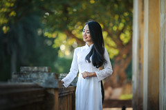 Photo (Mariana Stewart) Tags: adult asian attractive blur daylight dress facialexpression fashion girl happy model outdoors person portrait smile traditional vietnam vietnamese wear woman young
