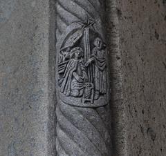 Sie wickelte ihn in Windeln und legte ihn in eine Krippe, weil in der Herberge kein Platz für sie war. (wpt1967) Tags: canon50mm eos6d geburtchristi kirche kirke mariähimmelfahrt portal solingen weihnachten church wpt1967