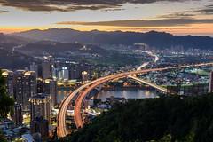 北二高 (TzuChien (Jeffrey) Chou) Tags: sunset taiwan landscape d610 nikon light streams