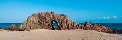 Pedra Furada (Jaime Sales) Tags: pedra pedrafurada ce ceará brasil brazil jeri jericoacoara jijoca rock mar praia sea beach azul céu sky blue areia land landscape paisagem