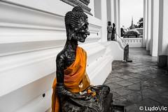 Orange Buddha (Lцdо\/іс) Tags: orange buddha buddhisme lцdоіс thailande thailand travel thailandia wat suthat temple monk voyage november novembre 2017 vacance vacation
