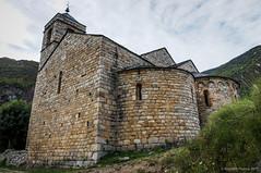 Ángulos y curvas (SantiMB.Photos) Tags: 2blog 2tumblr 2ig iglesia church románico romanesque geo:lat=4250389381 geo:lon=080262959 geotagged barruera cataluna españa esp