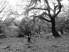 (Kostantina Skoulaxinou) Tags: naxos photography photoshooting winter girl metal