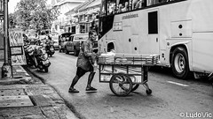 Street's Life in Bangkok (Lцdо\/іс) Tags: lцdоіс street thailande thailand thailandia life asia asian asie travel ordinary old city citytrip town
