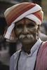 Mathura, Uttar Pradesh. Inida. (Raúl Barrero fotografía) Tags: seleccionar india portrait man mathura