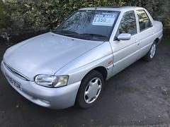 Escort Ghia Saloon (Sam Tait) Tags: ford escort 18 1800 zetec 16v ghia silver saloon albert looms retro classic rare car 90s 1997