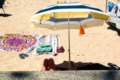 Sydney summer  #159 (lynnb's snaps) Tags: ektar100 elmar50mmf35 leicaiiif sydney beach colour film rangefinder manly kodakfilm coast summer people 2018 barnack australia kodakektar100 beachumbrella 50mm ©copyrightlynnburdekinallrightsreserved