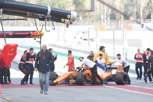 Stoffel Vandoorne's McLaren is recovered during Formula One Winter Testing 2018