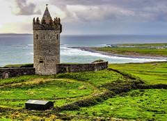 Doonagore Castle (ArmyJacket) Tags: doonagorecastle doolin ireland clare castle irish roundtower coast seascape landmark