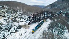 Western Maryland Keystone Viaduct Westbound (benpsut) Tags: csxkeystonesub csxq370 csxt csxt3433 keystoneviaduct q370 snow wm westernmaryland westernmarylandkeystoneviaduct wildmary winter wintercsx pumpkin railroad trains