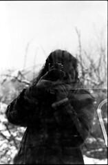 Partons ! D'hiver (Rachelnazou) Tags: caffenol blackwhite minolta film ilford analog argentique portrait
