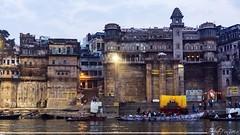 Navegando en aguas sagradas (Sebas Fonseca) Tags: city wall ganges river trip travel incredibleindia india benares varanasi sebafonseca