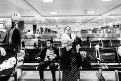Dulles (Jordan Barab) Tags: street streetphotography blackandwhite bw dulles sonydscrx100m3