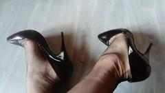 DSC_0044 (grandmacaon) Tags: highheels hautstalons hauttalons escarpins sexyheels talonsaiguille