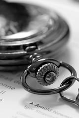 montre (pj lens) Tags: 105mm sigma canon 550d macro engrenage montre gousset or bronze noir blanc bleu heure horloge chaine aiguille tictac tic tac temps modern time livre mots