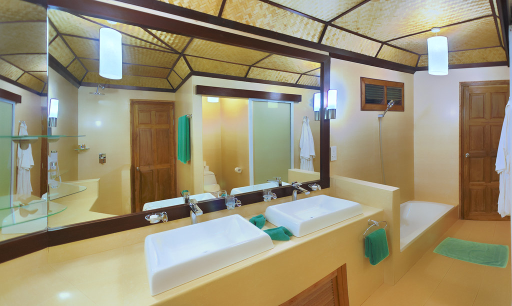 Beach Bungalow - Bathroom