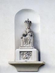 Estatua Virgen Parque de la Media luna Pamplona (Rafael Gomez - http://micamara.es) Tags: estatua virgen parque de la media luna pamplona navarra