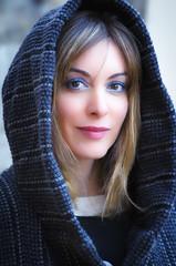 Snow Anita (mausdearaña) Tags: capucha invierno azul ana belén retrato vigo galicia españa andaluza ojos boca rubia pelo largo cuadrados frío