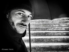 Pluie (ioriogiovanni10) Tags: ombrello buonagiornata goodmorning march mars occhi faccia selfie pluie face eyes monocromatico blackandwhite pioggia rain marzo