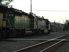 CSX SD45-2 (SD40-2) #8974 (Trackside Gorilla) Tags: csxriverline kingstonnewyork sd452 sd402 conrail
