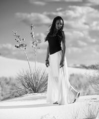 Jeri Smith at White Sands (Mitch Tillison Photography) Tags: beautiful stunning gorgeous amazing female woman model fashion glamour outdoors whitesands newmexico flashpoint 600 godox mitchtillison nikon desert southwest photo photography shoot