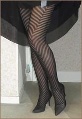 2018 - 01 - 28 - Karoll  - 007 (Karoll le bihan) Tags: escarpins shoes stilettos heels chaussures pumps schuhe stöckelschuh pantyhose highheel collants bas strumpfhosen talonshauts highheels stockings tights