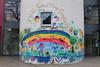 Kunterbunt (Sockenhummel) Tags: graffiti bunt bild gemälde wandgemälde graphity kindergarten steglitz berlin fuji x30 jfkfriendshipcenter gebäude haus säule